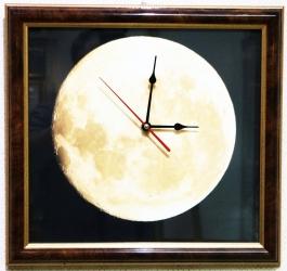 """Часы настенные """"Луна""""  35*37 см"""