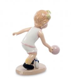 "Статуэтка ""Игра в боулинг"" (девочка) 10,5 см"